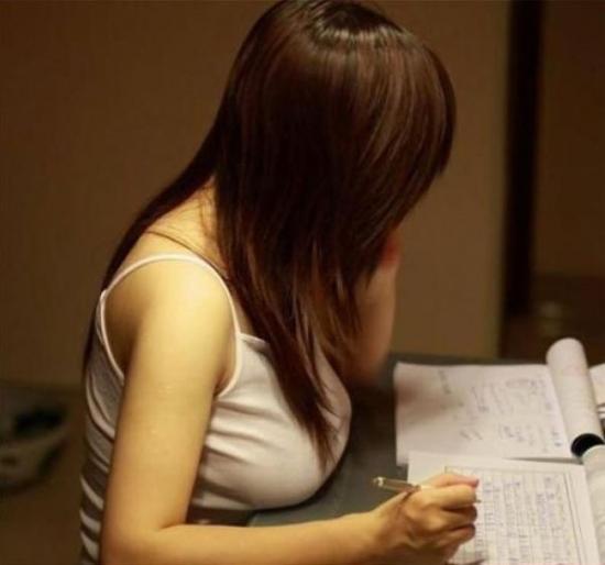 Фото прикол  про студенток и женскую грудь