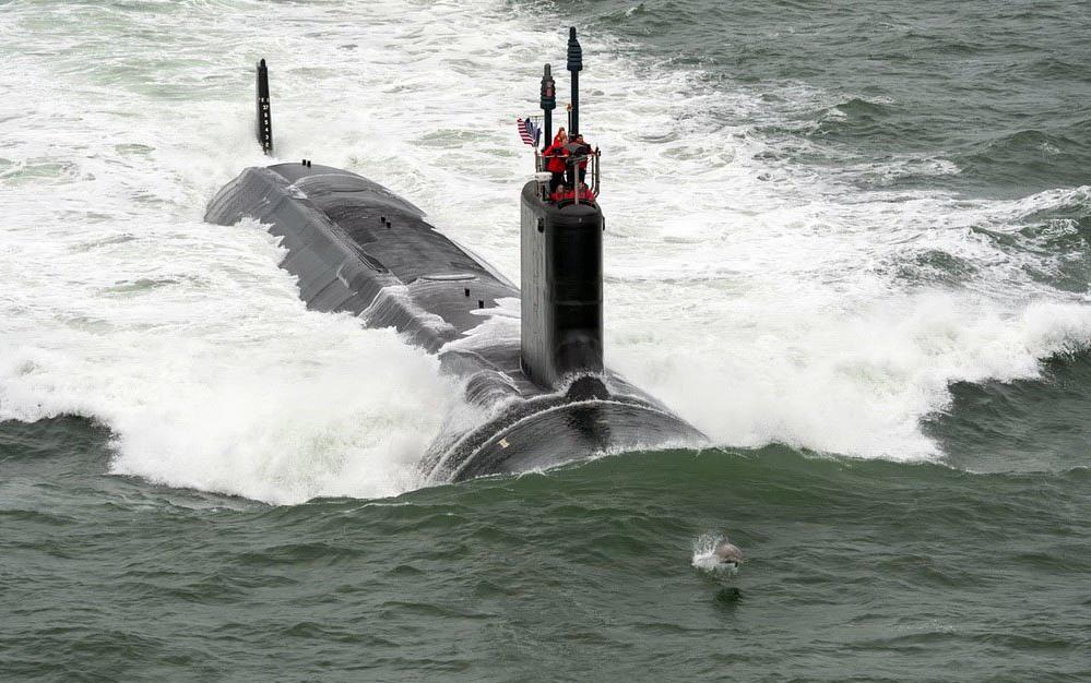подводная лодка столкнулась с китом