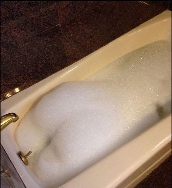 Фото про девушки в ване