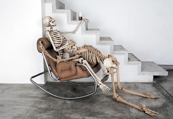 Фото прикол  про скелет, черный пошлый