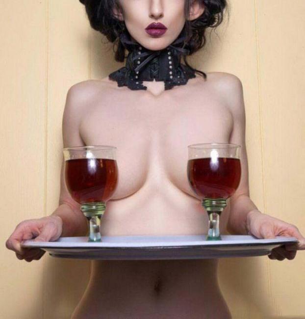 Фото прикол  про женскую грудь, вино пошлый