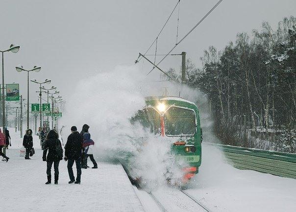 Фото прикол  про поезда и зиму
