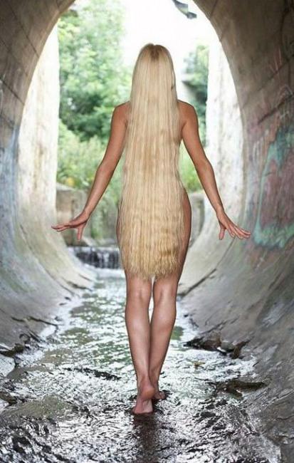 Фото прикол  про раздетых людей, волосы и эротику