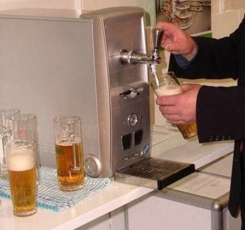 Фото прикол  про пиво и компьютеры