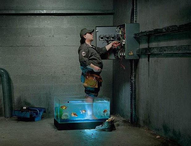 Фото прикол  про электриков черный