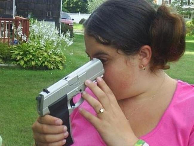Фото прикол  про оружие и дур