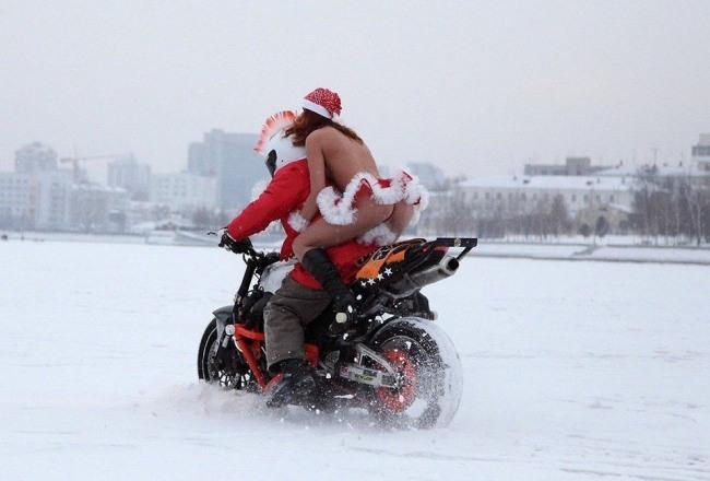 Фото прикол  про мотоциклистов, зиму пошлый