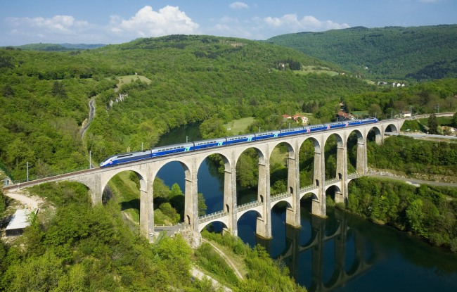 Фото прикол  про мост и поезда