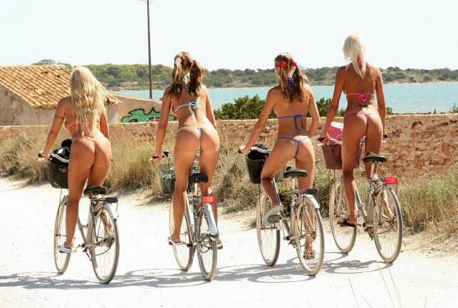 Фото прикол  про велосипедистов, стринги пошлый