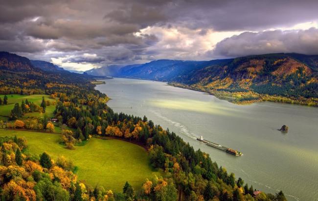 Фото прикол  про реку и природу