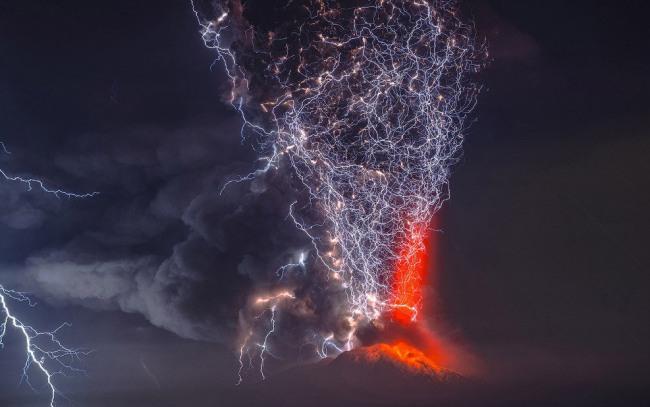 Фото прикол  про молнию и вулканы