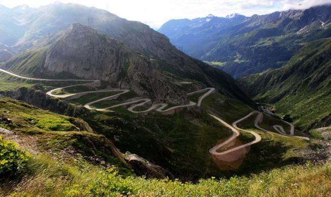 Фото прикол  про горы и дороги