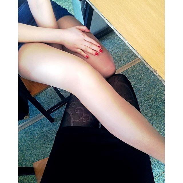Фото прикол  про женские ноги и мастурбацию