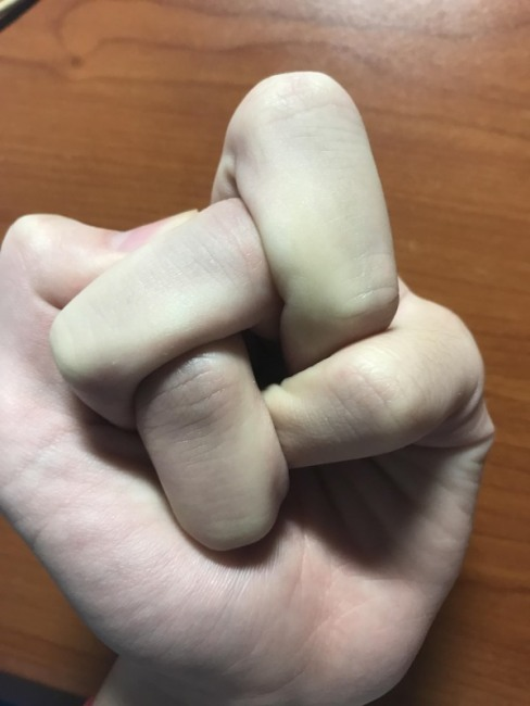 Фото прикол  про пальцы