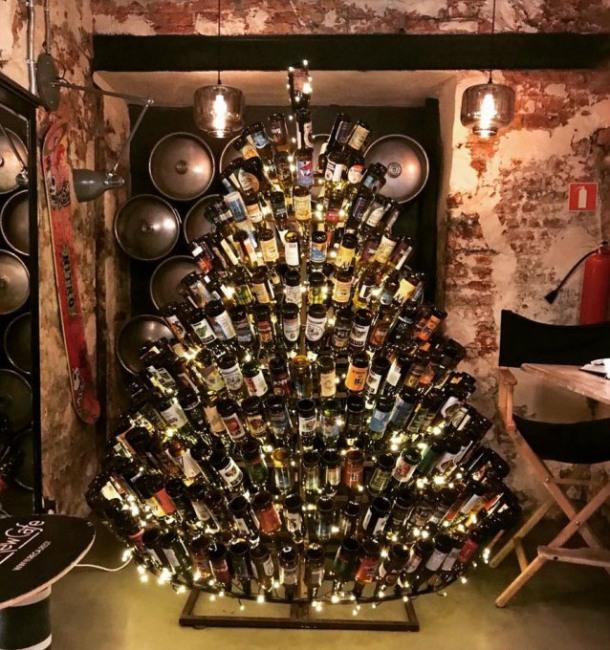 Фото прикол  про ёлку, бутылку, пиво и новый год