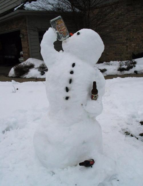 Фото прикол  про снеговика и алкоглоль