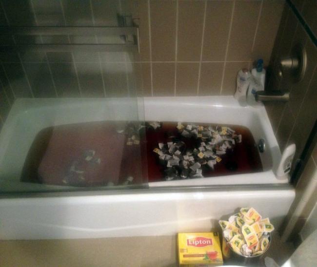 Фото прикол  про чай и ванну