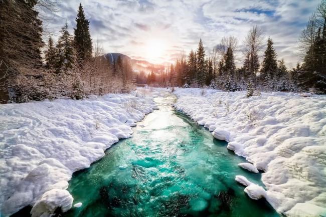 Фото прикол  про зиму и реку