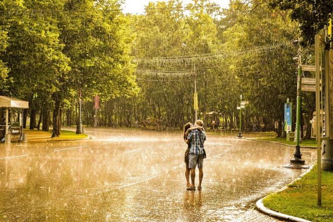 Фото прикол  про поцелуи, романтику и дождь