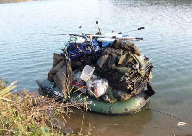 Фото прикол  про лодку и рыбалку