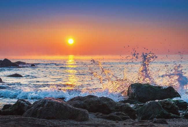 Фото прикол  про закат и волну
