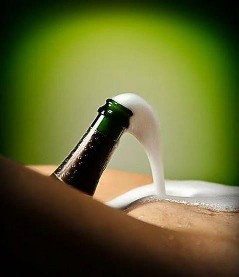 Фото прикол  про шампанское вино, лобок пошлый