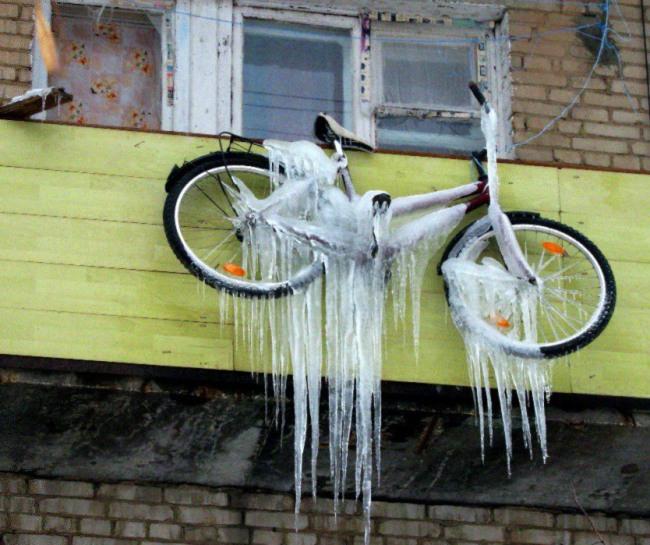 Фото прикол  про велосипед и сосульки