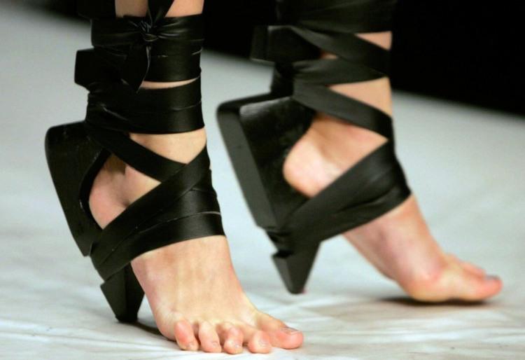 Фото прикол  про обувь и каблуки