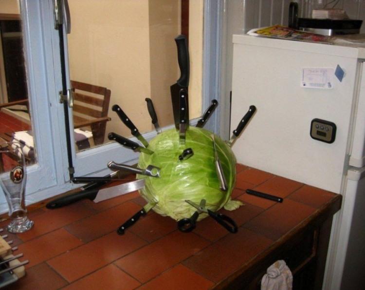 Фото прикол  про капусту и нож