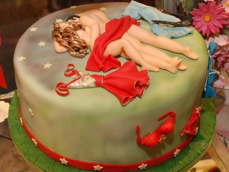 Фото прикол  про торт интимный