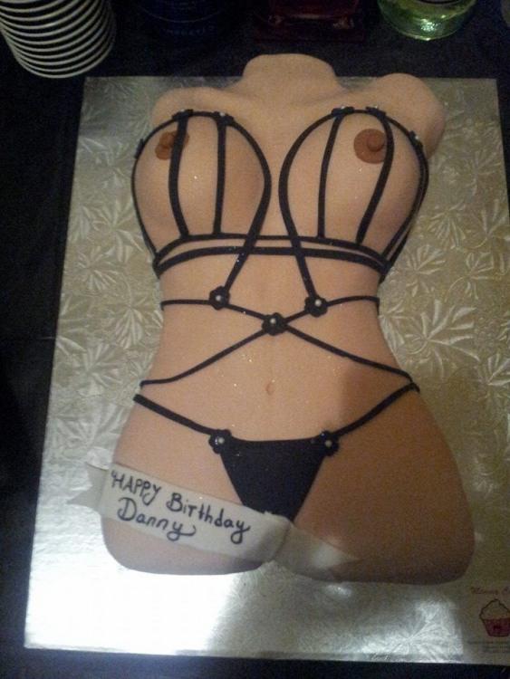 Фото прикол  про торт, интимный пошлый