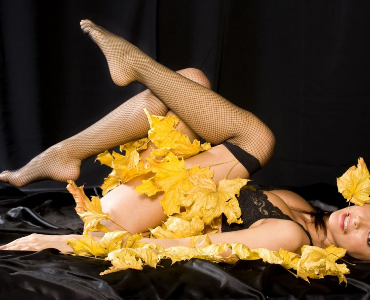 Фото прикол  про осень и эротику