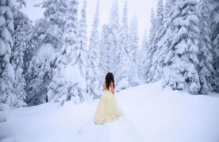 Фото прикол  про зиму и девушек