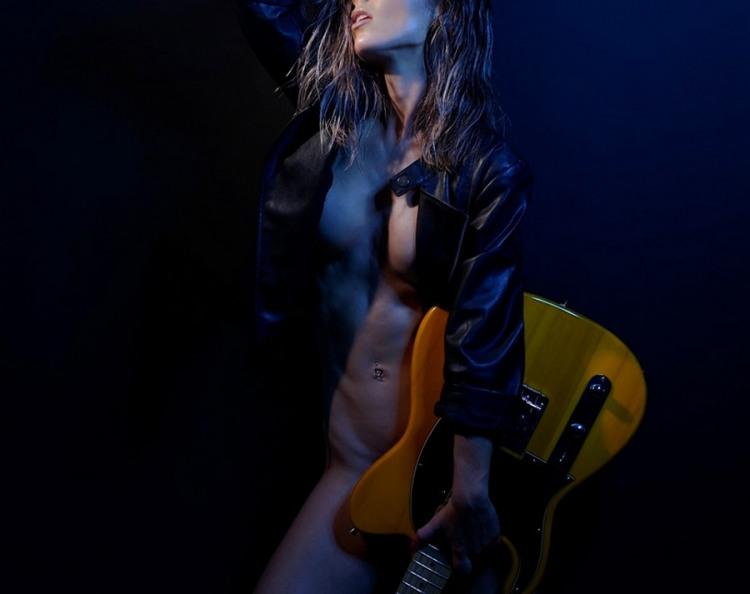 Фото прикол  про гитару, эротику пошлый