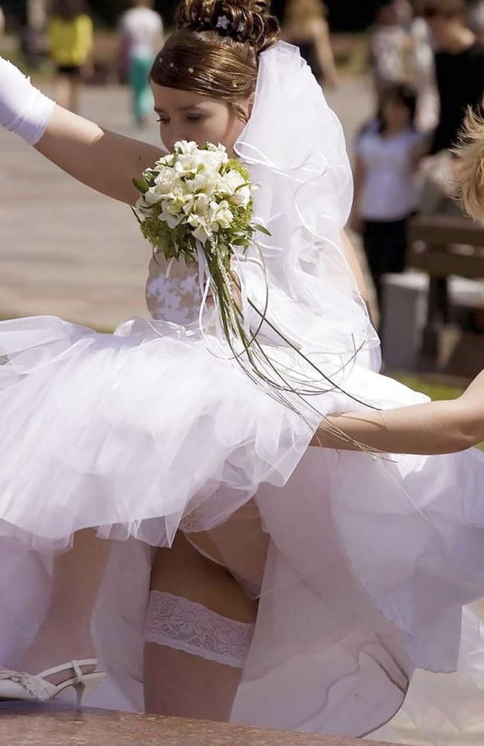 попытку авторизации задралась юбка невесты фото нина засмеялалсь что-то