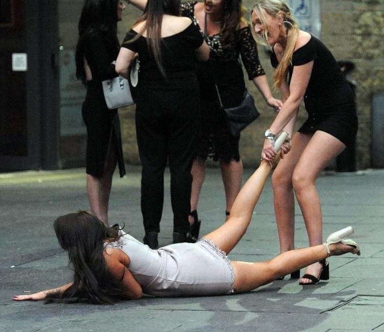 Фото, смешные картинки пьяных девушек