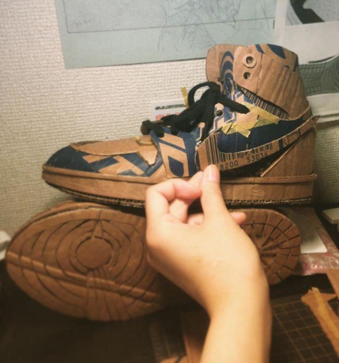 Фото прикол  про обувь и картон
