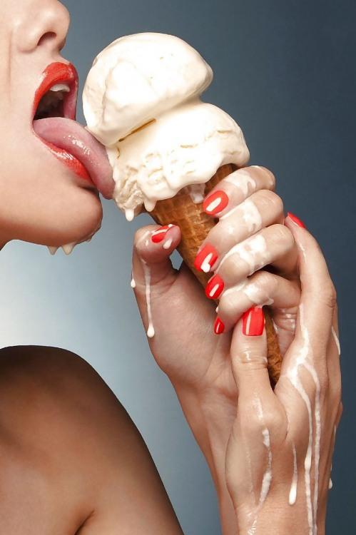 Фото прикол  про мороженое, соблазнение и девушек