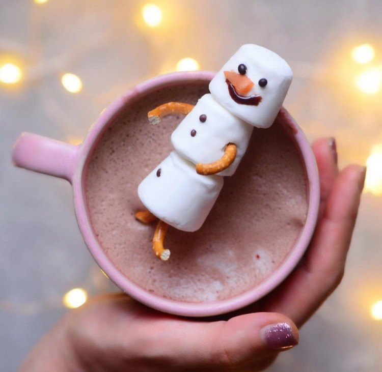 Фото прикол  про снеговика и капучино