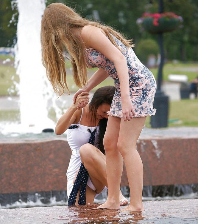 Фото прикол  про девушек, засветы, трусы пошлый