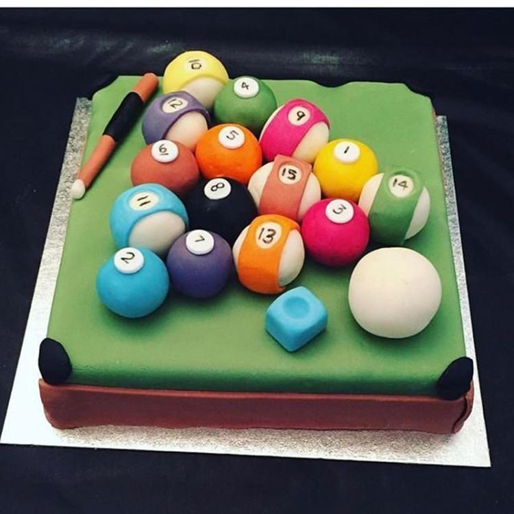 Фото прикол  про торт и бильярд