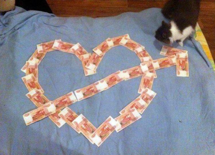 Фото прикол  про деньги и сердце