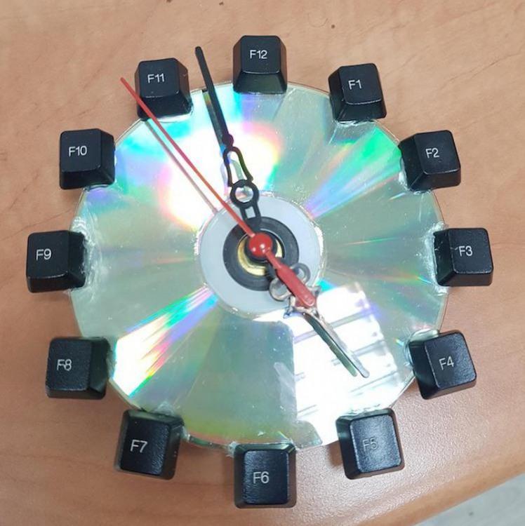 Фото прикол  про часы компьютерные