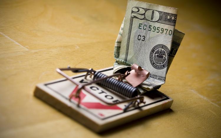 Фото прикол  про мышеловку и деньги