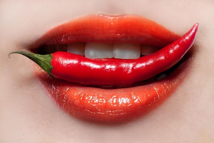 Фото прикол  про губы и перец