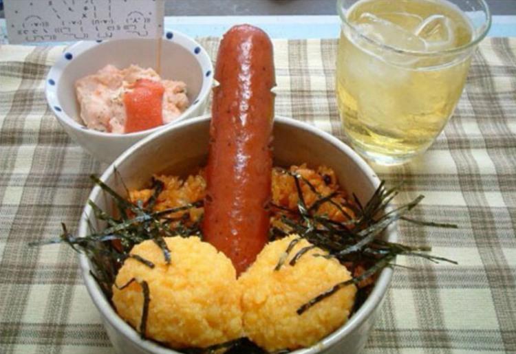Фото прикол  про сосиски, еду игра воображения