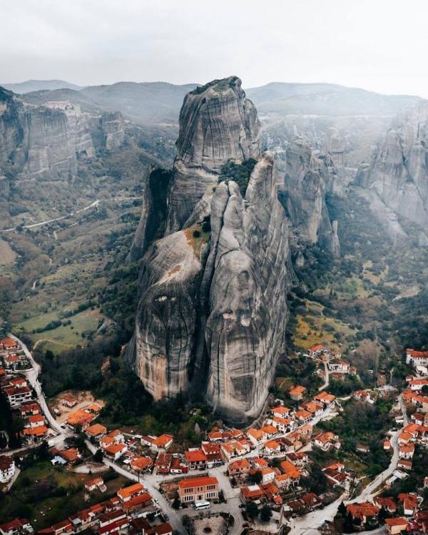 Фото прикол  про горы и скалу