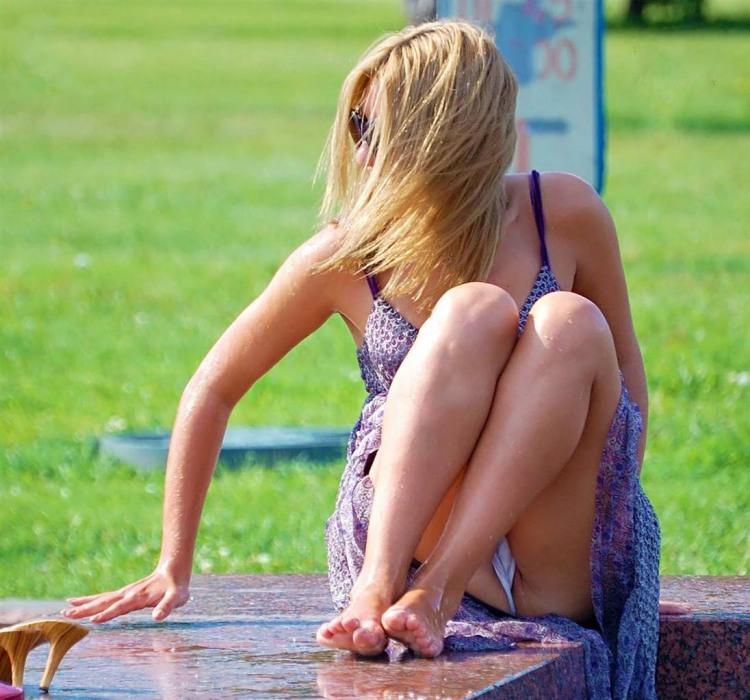 Фото прикол  про блондинок, засветы пошлый