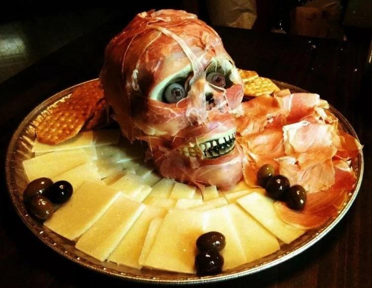 Фото прикол  про еду, череп черный