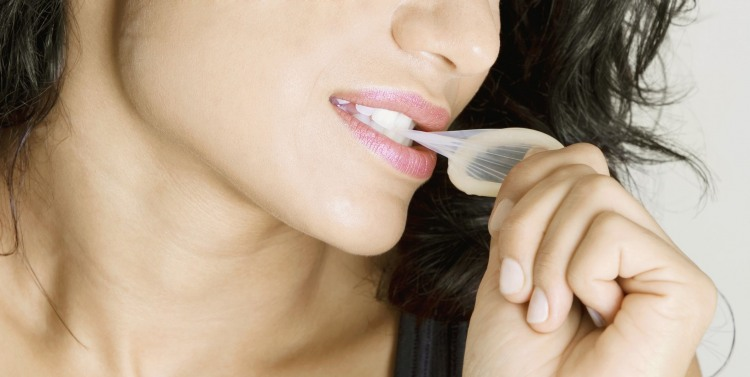 Фото прикол  про женщин, презервативы и намек